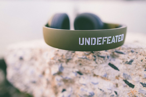 Undefeated x Beats by Dr Dre–Studio Headphones 1