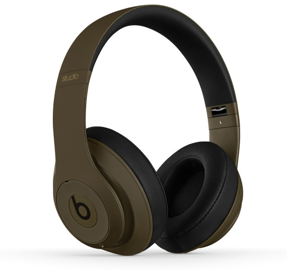 Undefeated x Beats by Dr Dre–Studio Headphones 3