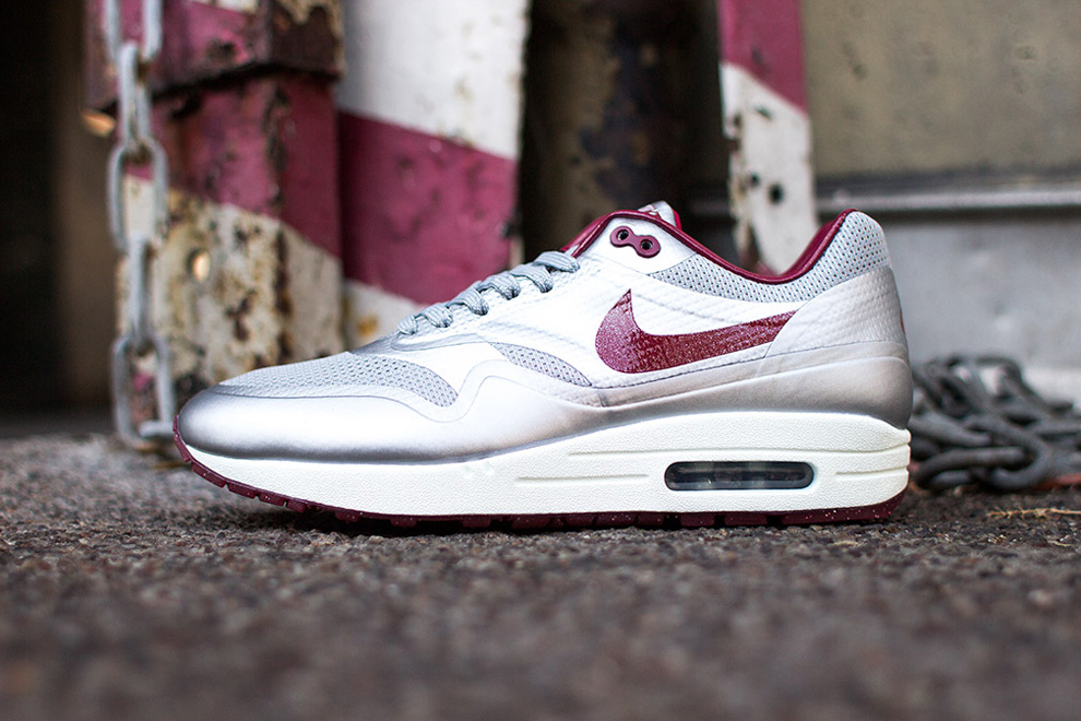 nike air max 1 hyperfuse night track deep red 1