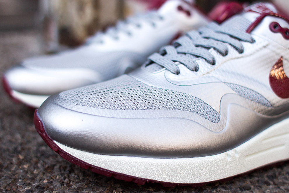 nike air max 1 hyperfuse night track deep red 4