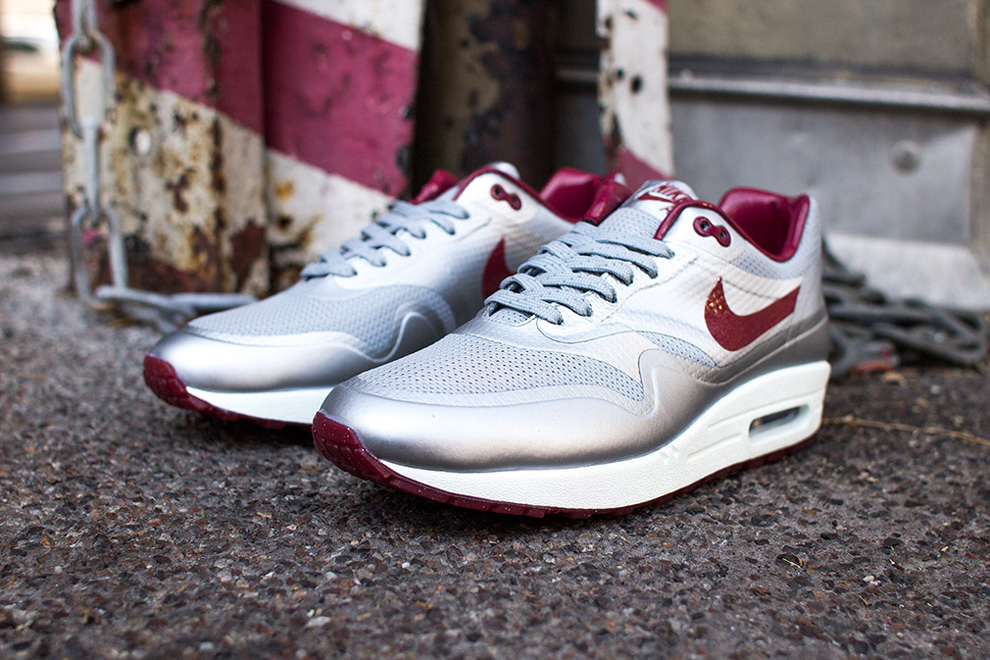 nike air max 1 hyperfuse night track deep red 5