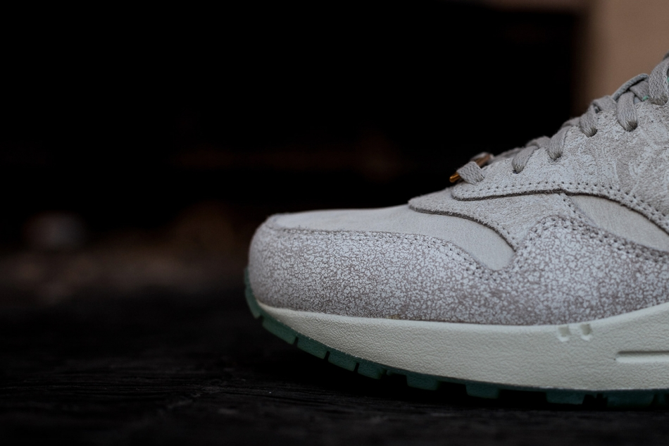 nike wmns air max 1 year of the horse 3