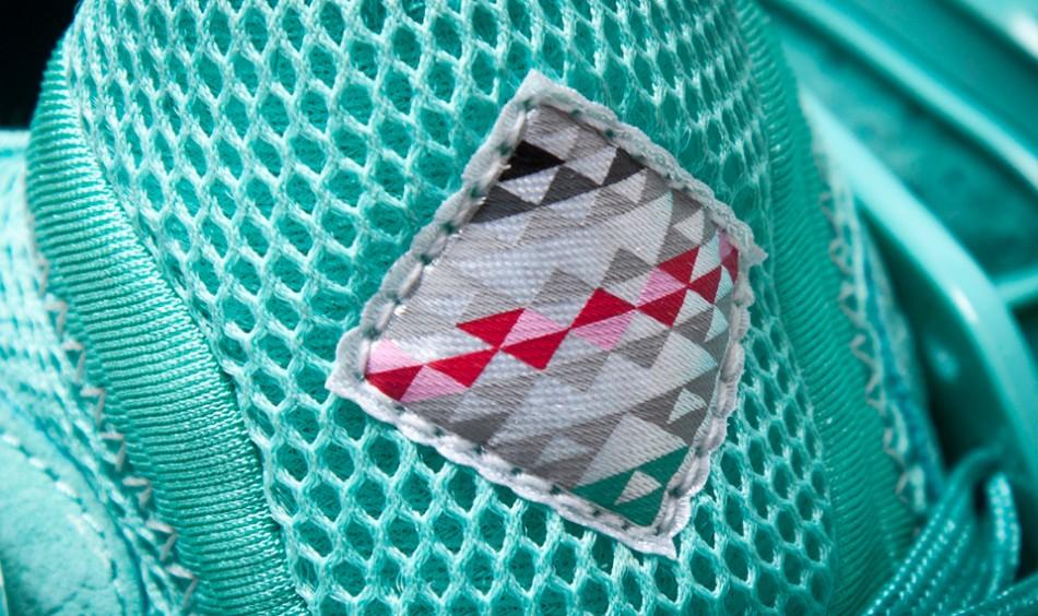 sharkbait sneaker freaker logo