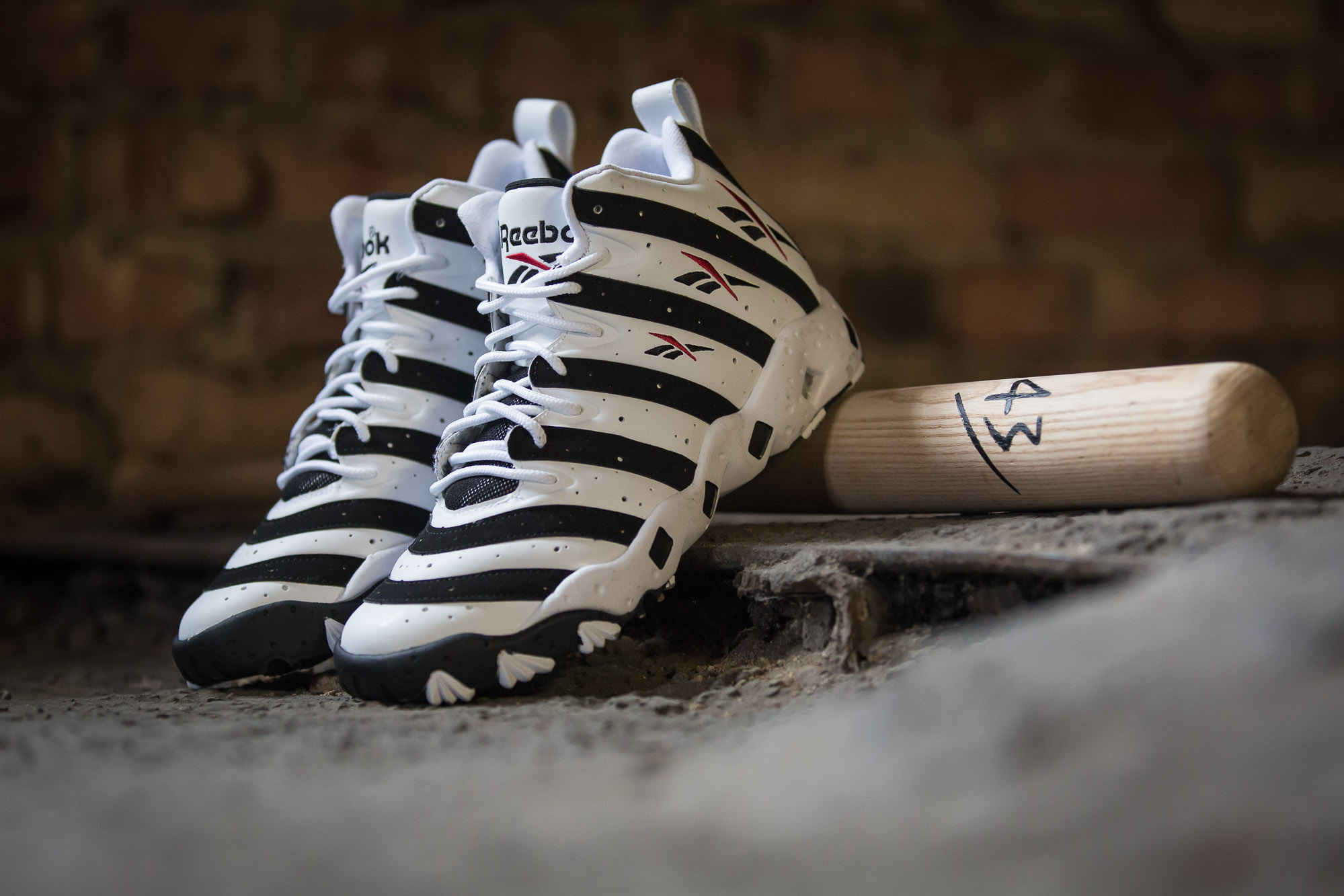 Reebok Big Hurt White Black 3