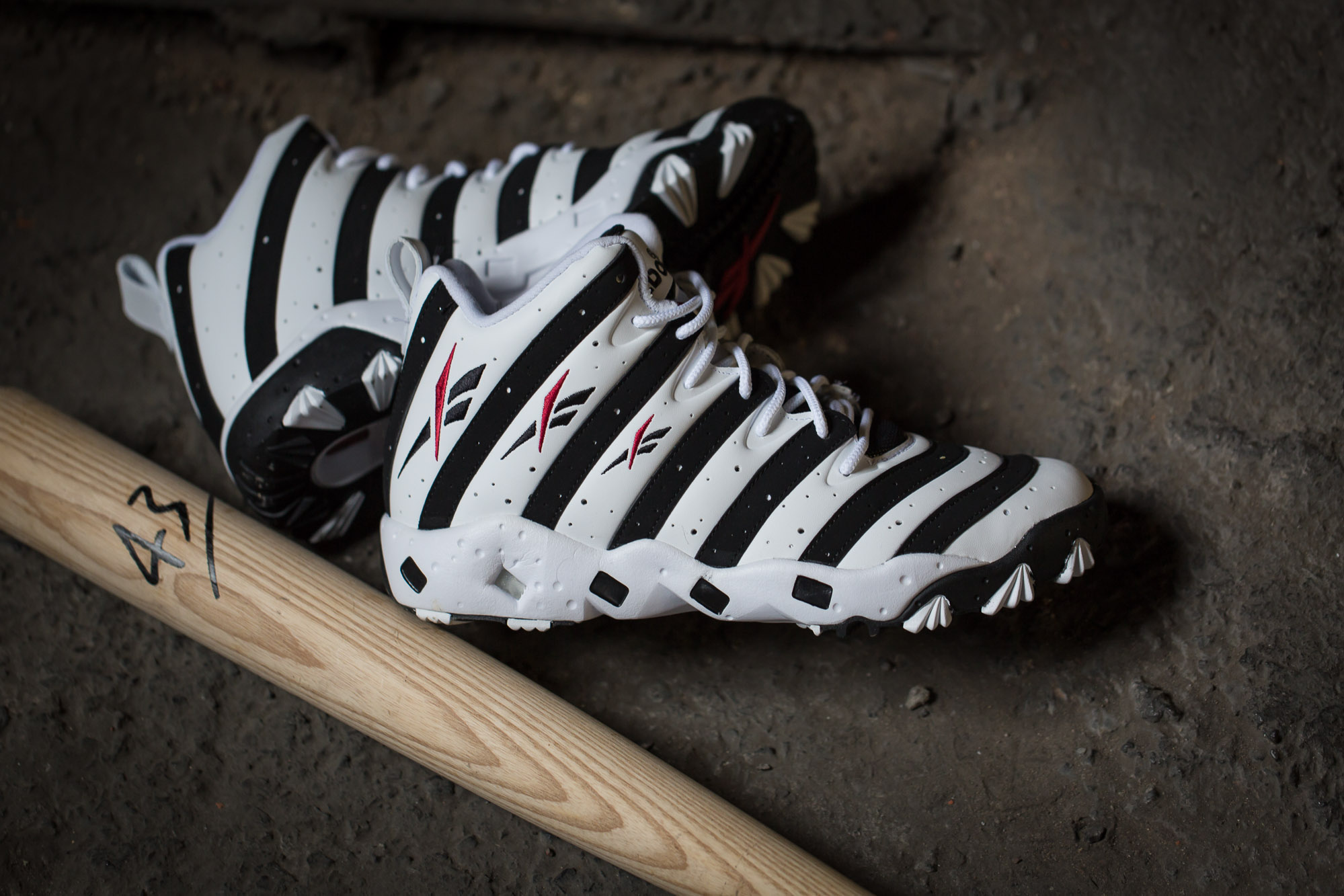 Reebok-Big-Hurt-White-Black-7