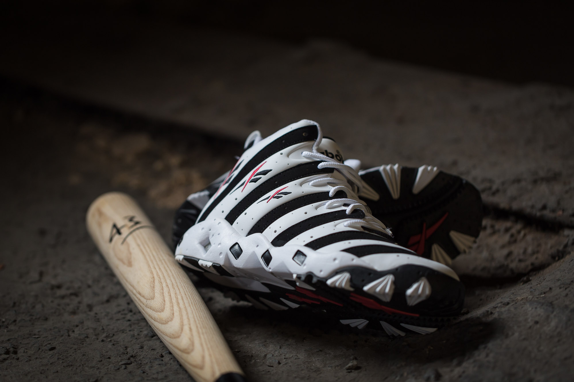 Reebok Big Hurt White Black 8