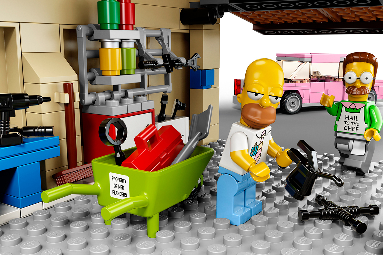 The Simpsons x Lego The Simpsons House 11