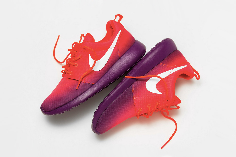Nike Roshe Run Print Laser Crimson Bright Grape 1