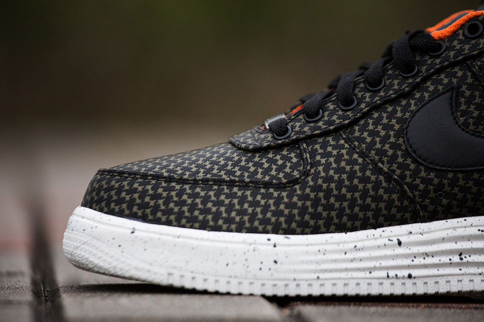 Undefeated x Nike Lunar Force 1 2014 Pack 8