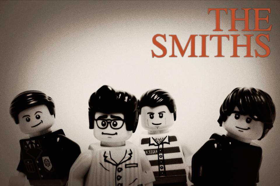 20 Iconic Bands x LEGO 7