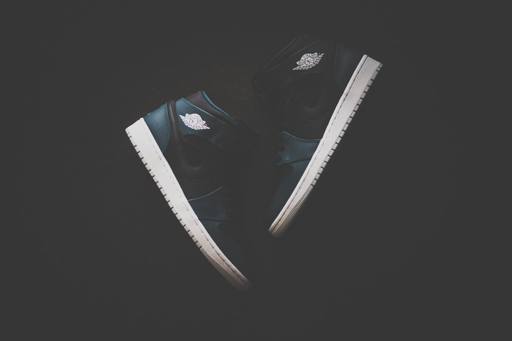 Air Jordan 1 Mid Black Nightshade 1