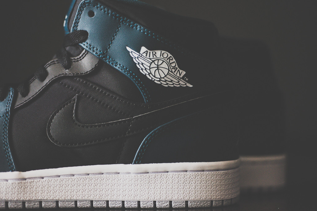 Air Jordan 1 Mid Black Nightshade 5