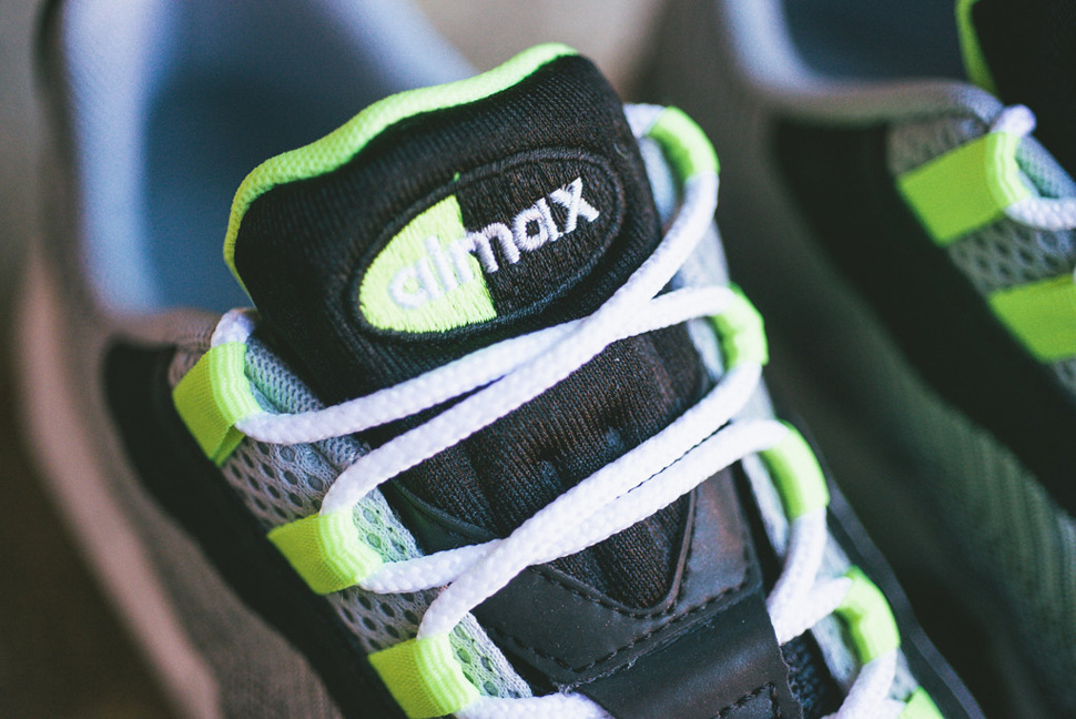 Nike Air Max 95 Jacquard Black Grey Volt 2