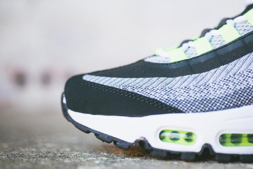 Nike Air Max 95 Jacquard Black Grey Volt 4