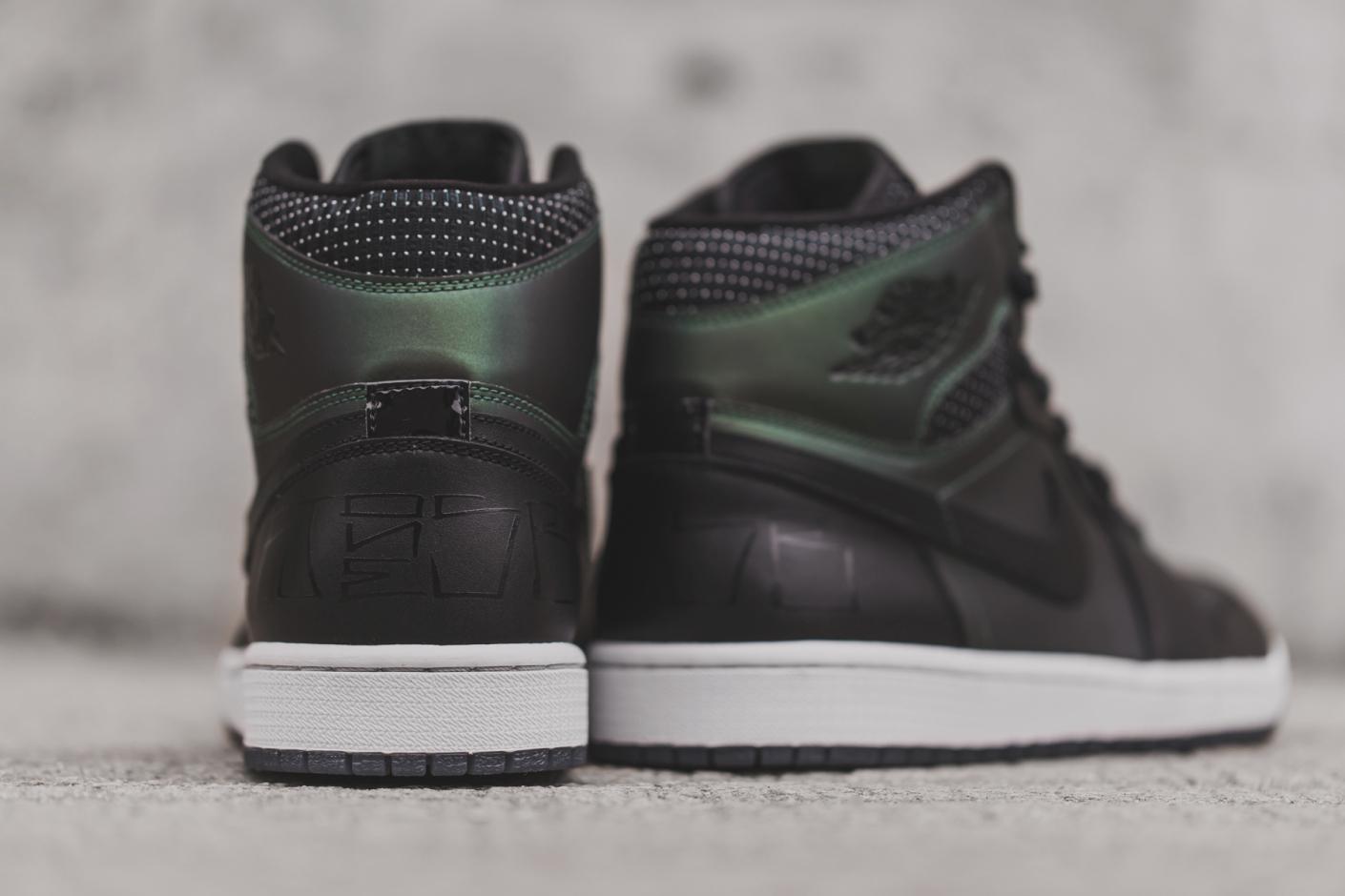 Nike SB x Air Jordan 1 by Craig Stecyk 6