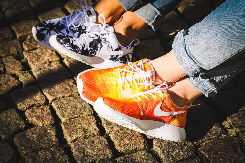 Nike WMNS Rosherun Palm Beach Sun 4 1000x666