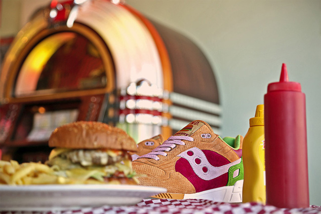 END X SAUCONY SHADOW 5000– BURGER DETAILS 2