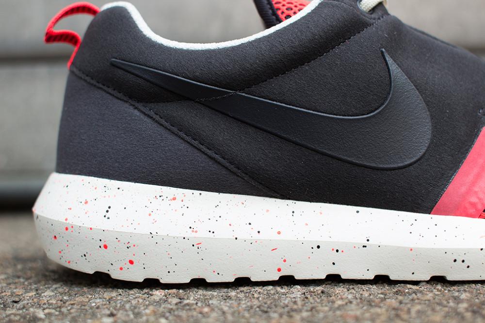 Nike–Rosherun NM BR Black Red 2 1000x666