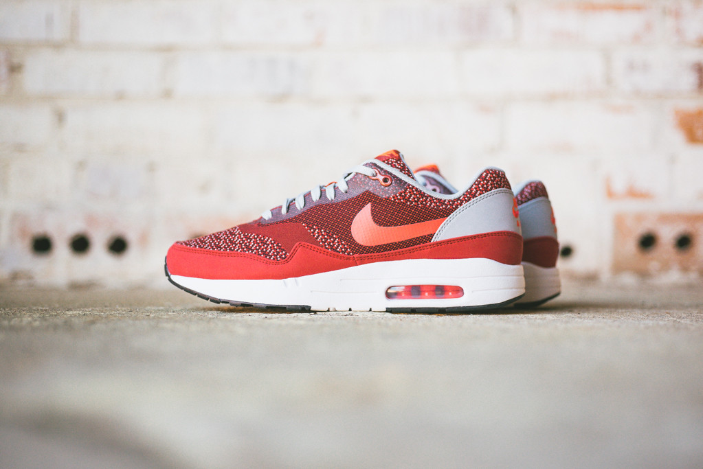 Nike-Air-Max-1-Jacquard-Laser-Crimson-1