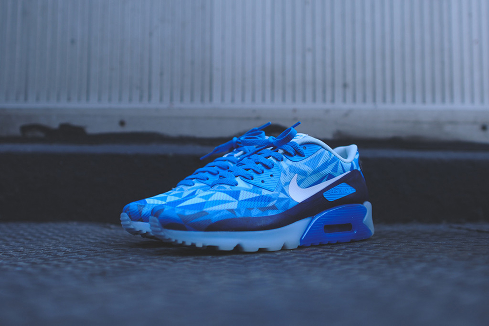 Nike Air Max 90 ICE Barely Blue 7