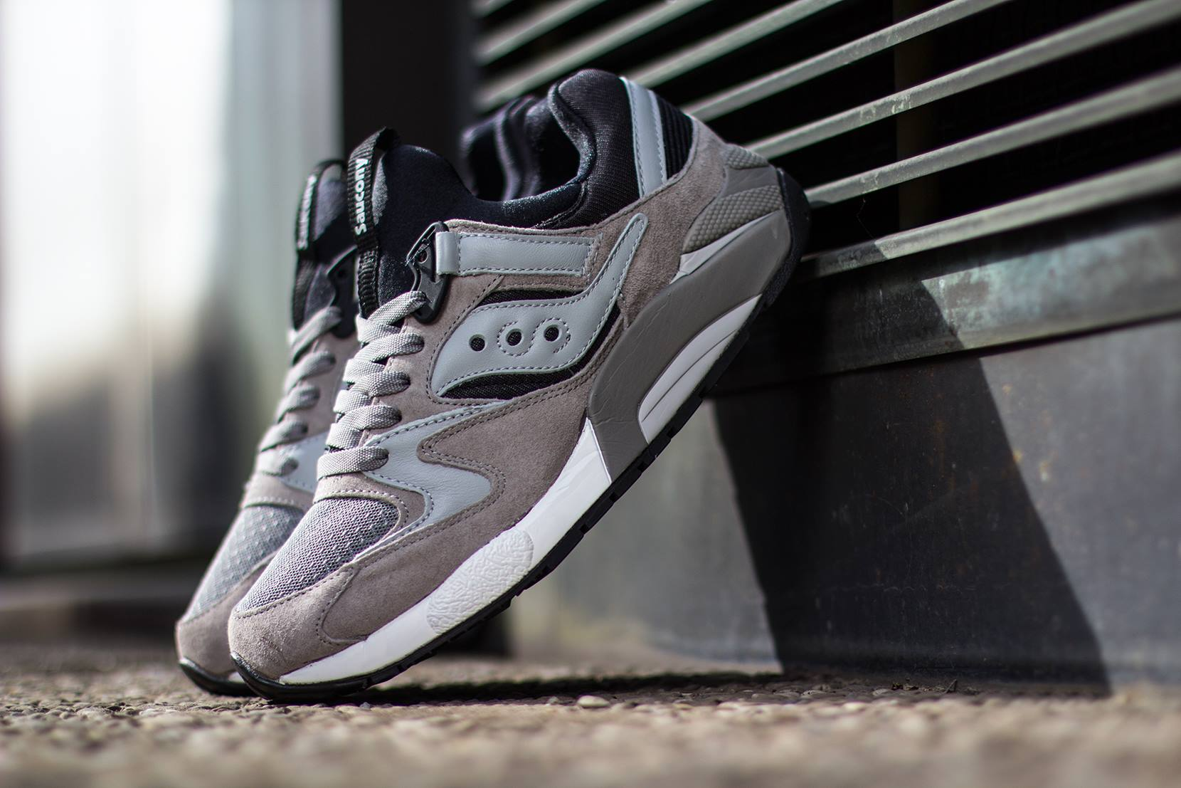 Saucony Grid 9000 Grey Black 1