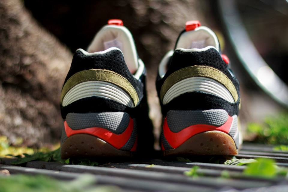 UBIQ x Saucony Grid 9000 Dirty Martini 7