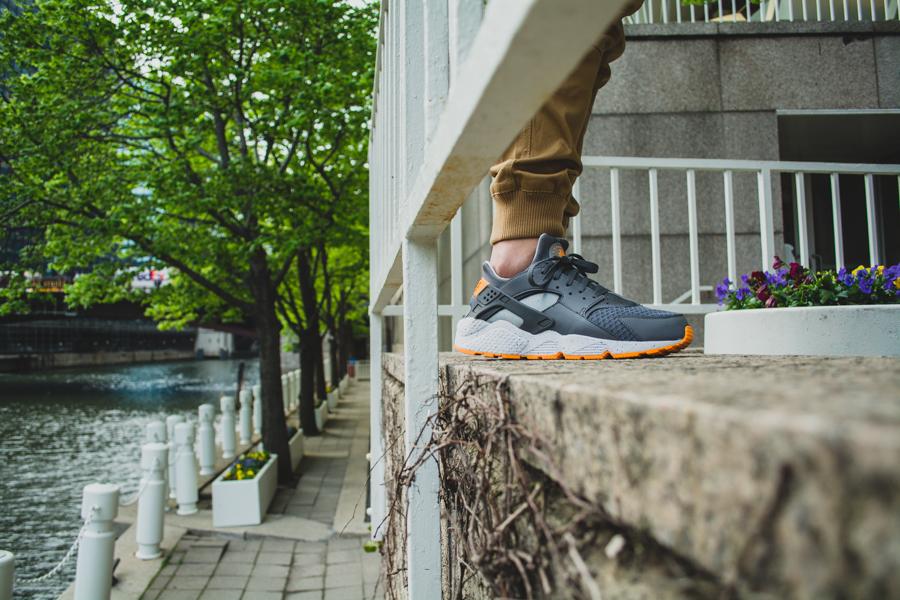 Nike Air Huarache Atomic Mango 4