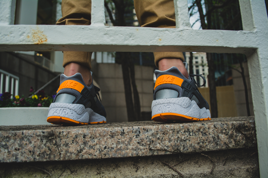 Nike Air Huarache Atomic Mango 5