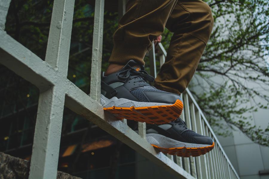Nike Air Huarache Atomic Mango 8