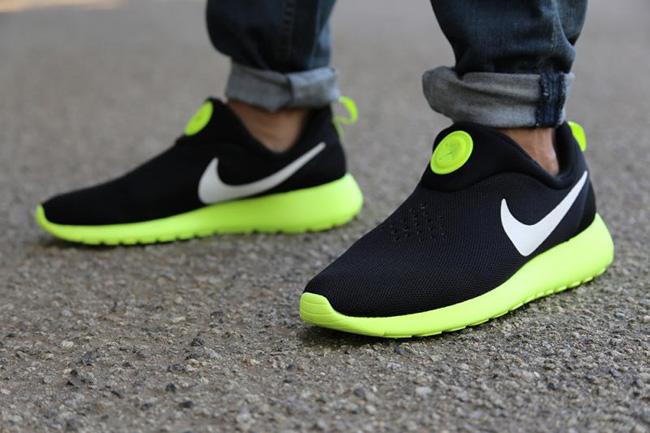Nike Roshe Run Slip On Black White Volt 1