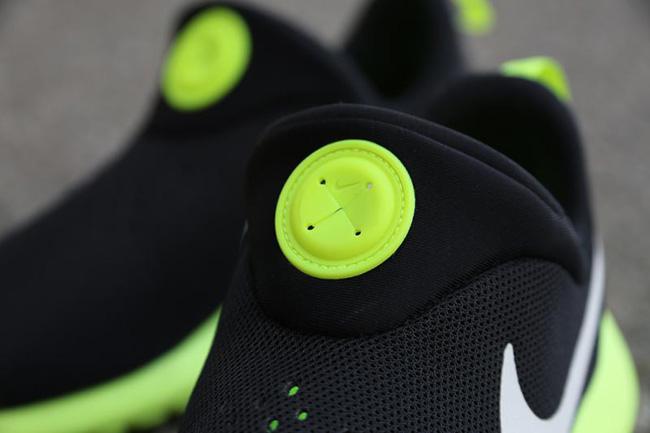 Nike Roshe Run Slip On Black White Volt 2