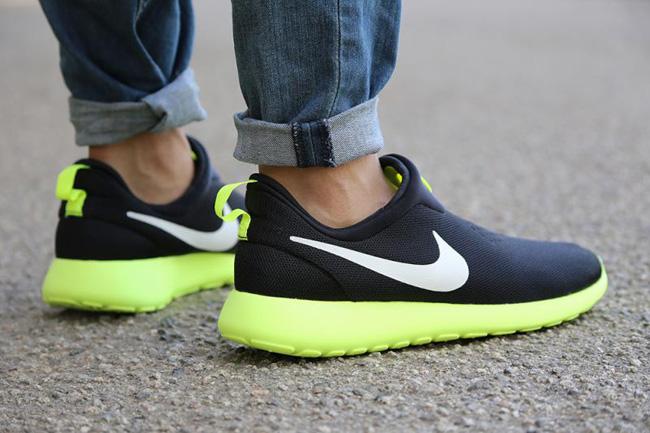 Nike Roshe Run Slip On Black White Volt 4