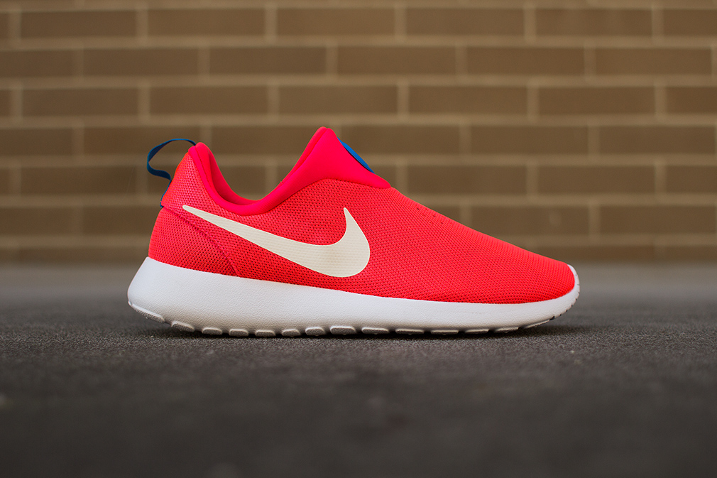 Nike Roshe RunSlip On Laser Crimson 1