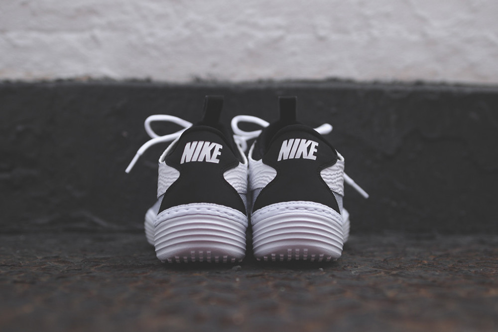 Nike Solarsoft Moccasin White Black 5 1000x666