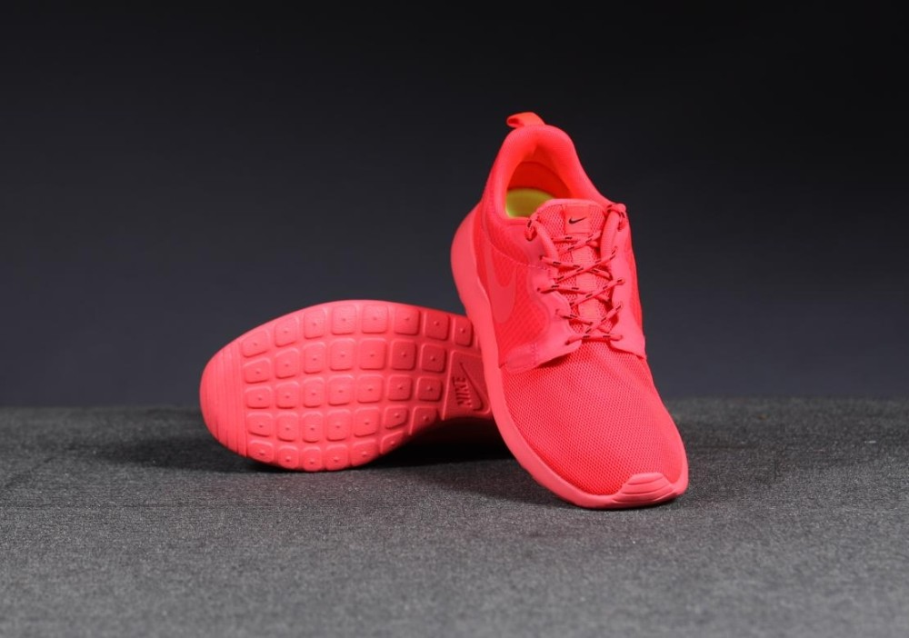 Nike WMNS Roshe Run HYP Red 5 1000x702