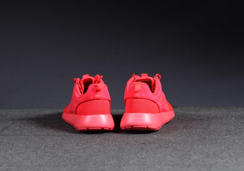 Nike WMNS Roshe Run HYP Red 6 1000x702