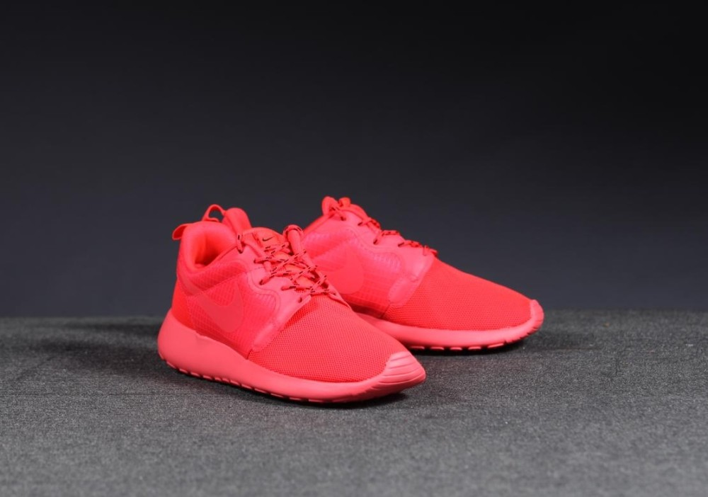 Nike WMNS Roshe Run HYP red 4 1000x702
