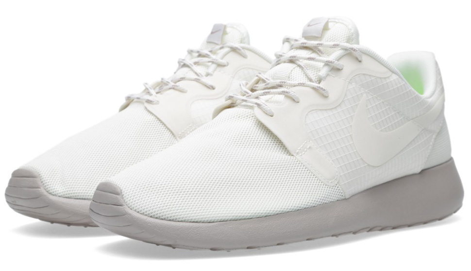Nike WMNS Roshe Run Hyperfuse Medium Ore 2