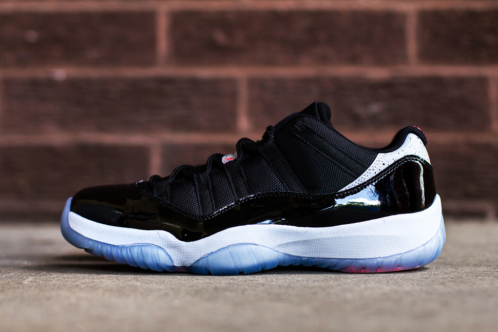 Air Jordan 11 Retro Low Infrared23 3