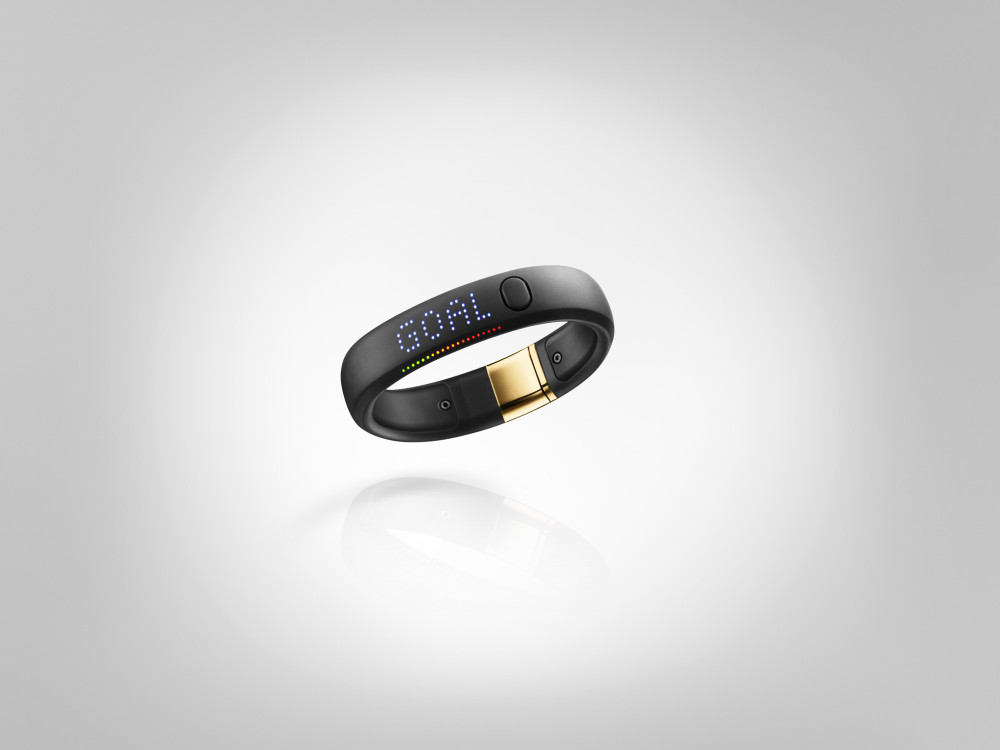 Nike+ FuelBand SE Gold METALUXE 1 1000x750