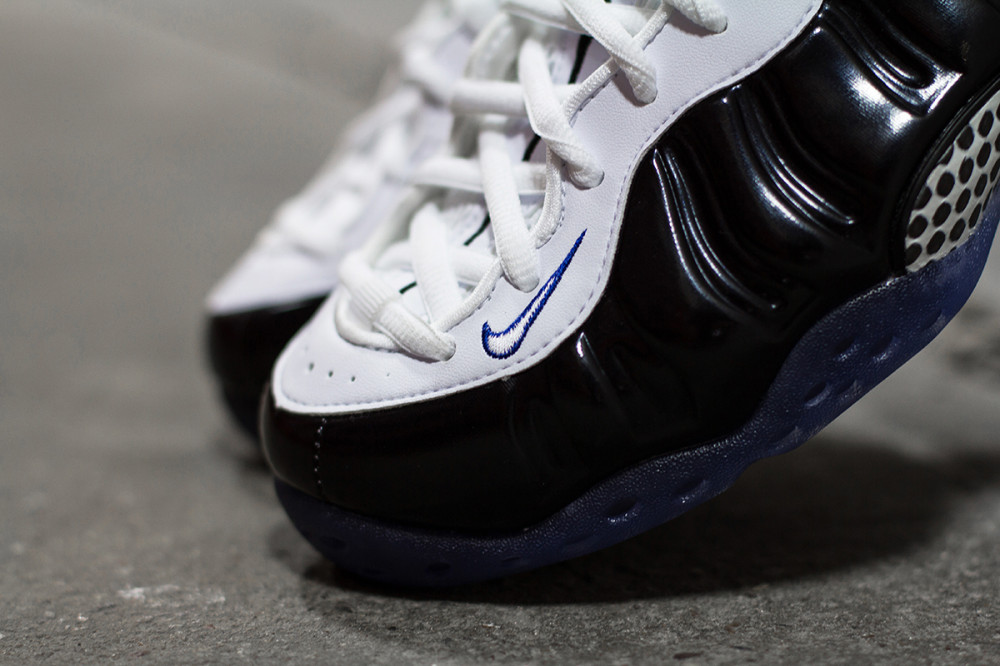 Nike Air Foamposite One Black White 2 1000x666