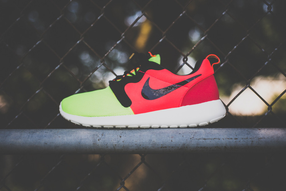 Nike Roshe Run Mercurial Collection 1 1000x667