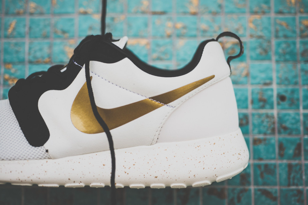Nike Rosherun Gold Metal Pack 2 1000x667