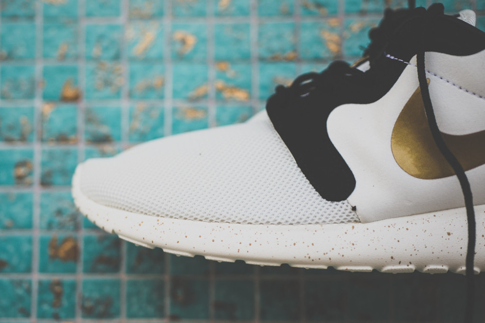 Nike Rosherun Gold Metal Pack 3 1000x667