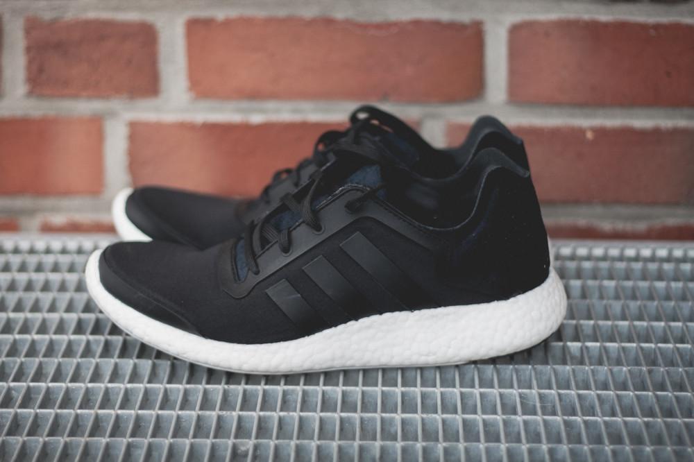 adidas Pure Boost Black 1 1000x666