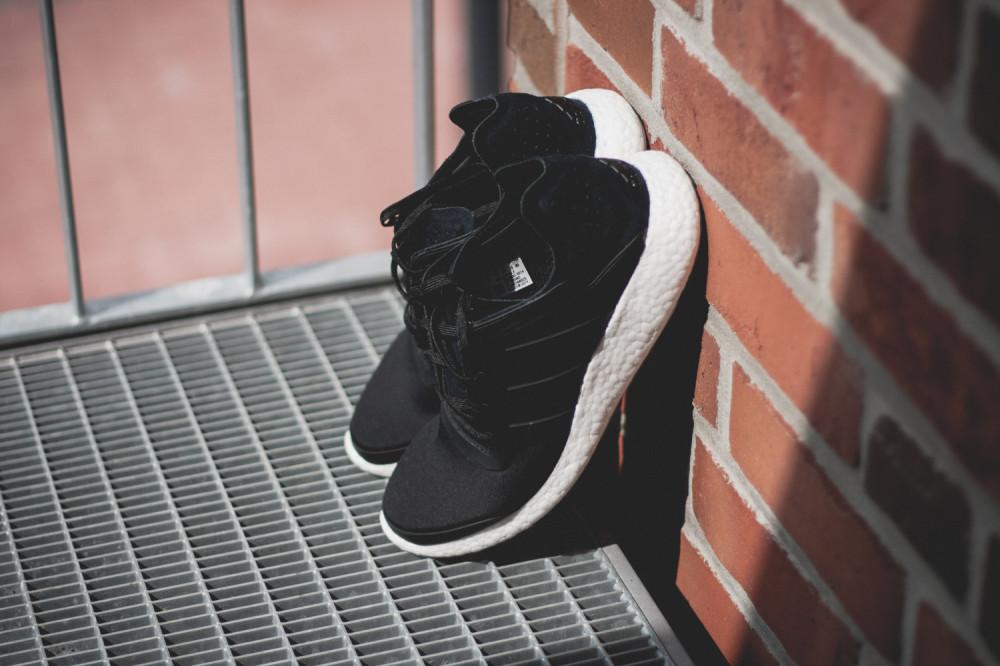 adidas Pure Boost Black 5 1000x666