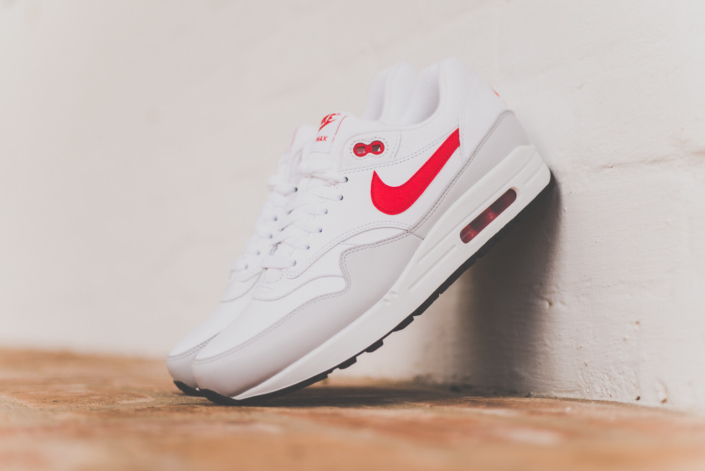 Nike Air Max 1 White Uni Red 1