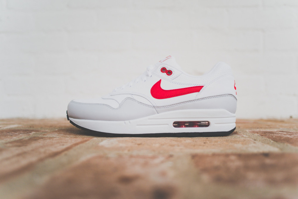 Nike Air Max 1 White Uni Red 2 1000x667