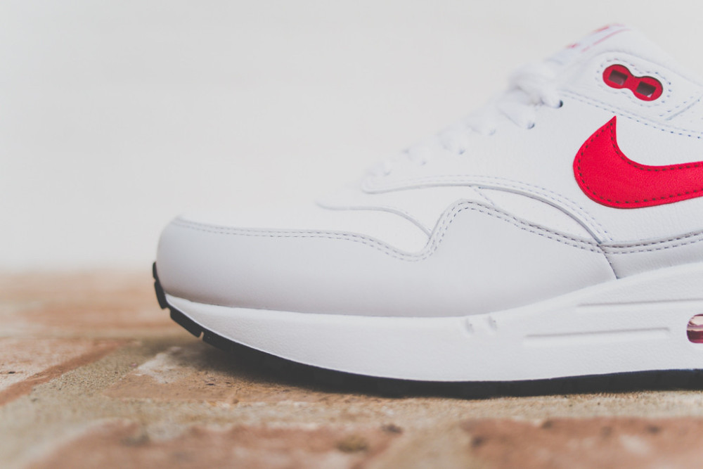 Nike Air Max 1 White Uni Red 4 1000x667