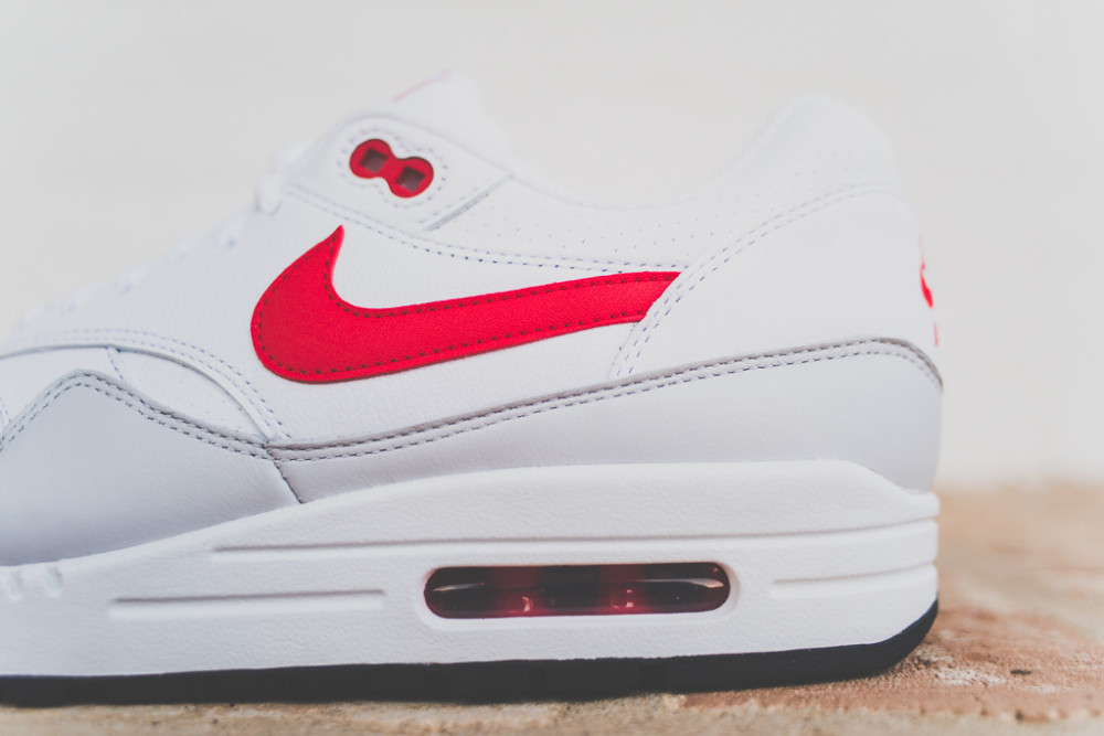 Nike Air Max 1 White Uni Red 5 1000x667